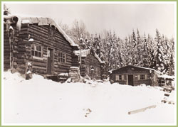 Camp forestier, circa 1910. Archives priv�es.